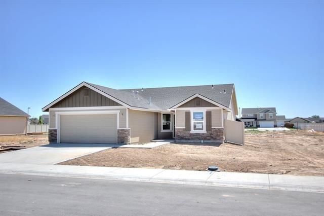 625 SW Huebert St, Mountain Home, ID 83647