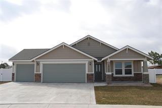 645 SW Huebert St, Mountain Home, ID 83647
