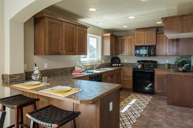695 SW Huebert Street, Mountain Home, ID 83647