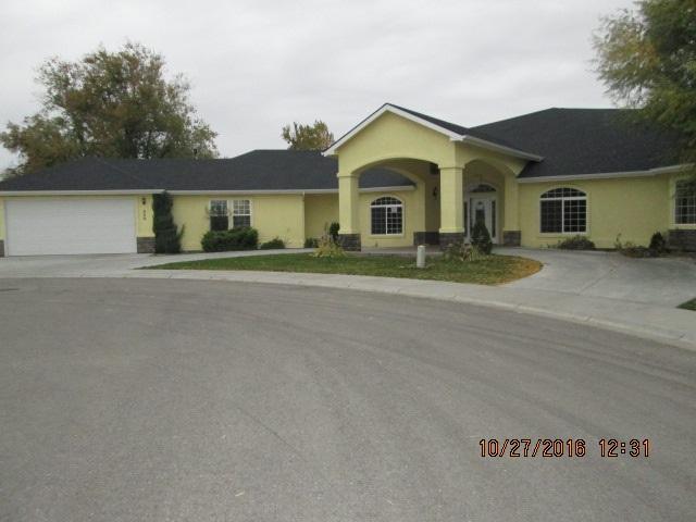 520 NE Ladon Pl, Mountain Home, ID 83647