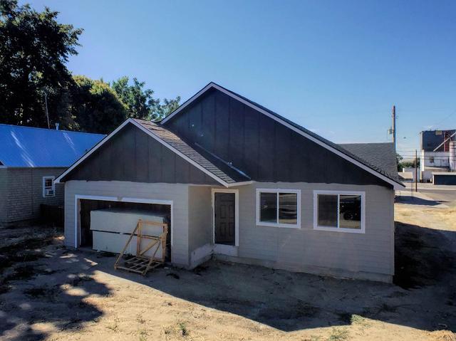 349 W Idaho, Weiser, ID 83672
