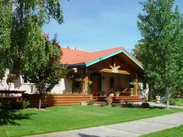 19183 Hofstetter Ln #BOX 641, Picabo, ID 83348