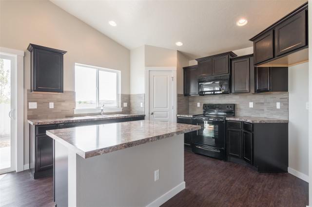 8076 S Carpenter Ave, Boise, ID 83709