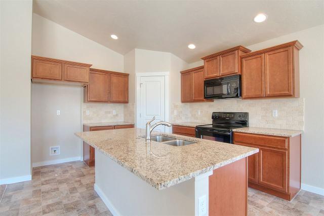 8077 W Carpenter Ave, Boise, ID 83709