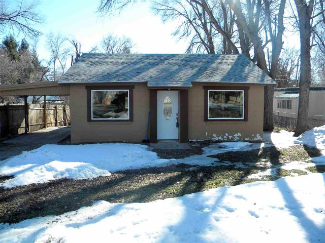 347 W 3rd Ave, Wendell, ID 83355