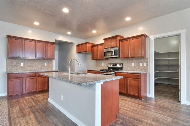 971 E Italy St, Meridian, ID 83642