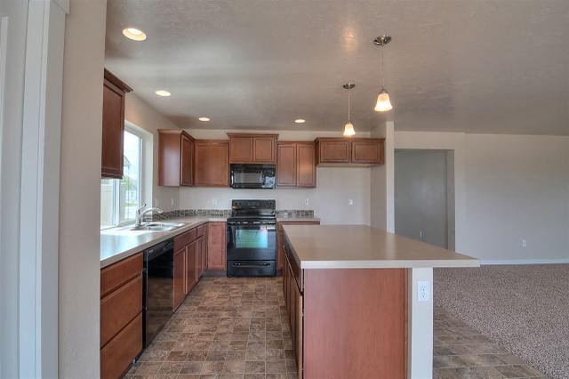 8103 S Carpenter Ave, Boise, ID 83709