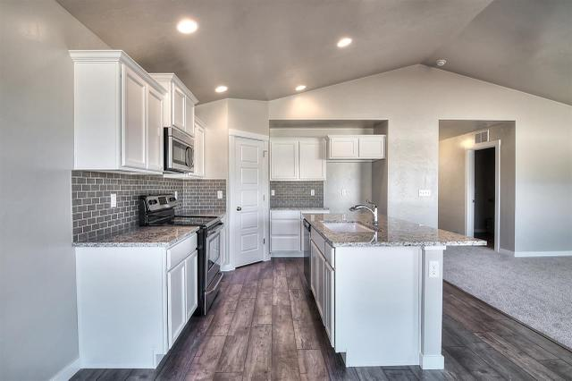 719 N Haven Cove Ave, Meridian, ID 83642