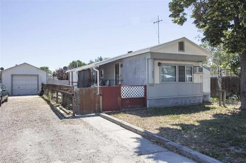 820 NW 3rd St, Fruitland, ID 83619