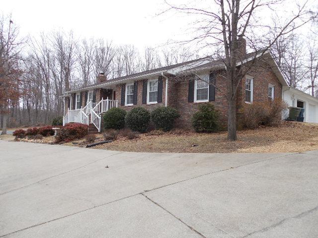 109 Rustling Oaks Dr, Waverly, TN