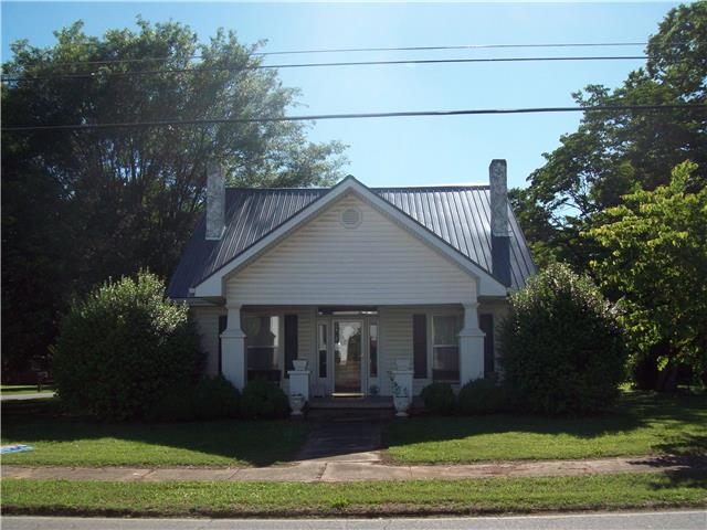906 Main St, Huntland, TN