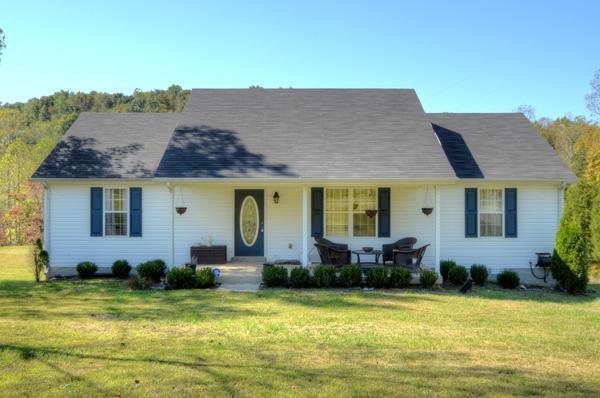 438 Whitaker Cir, Red Boiling Springs, TN