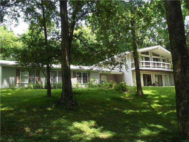 896 Solomon Rd, Pulaski, TN