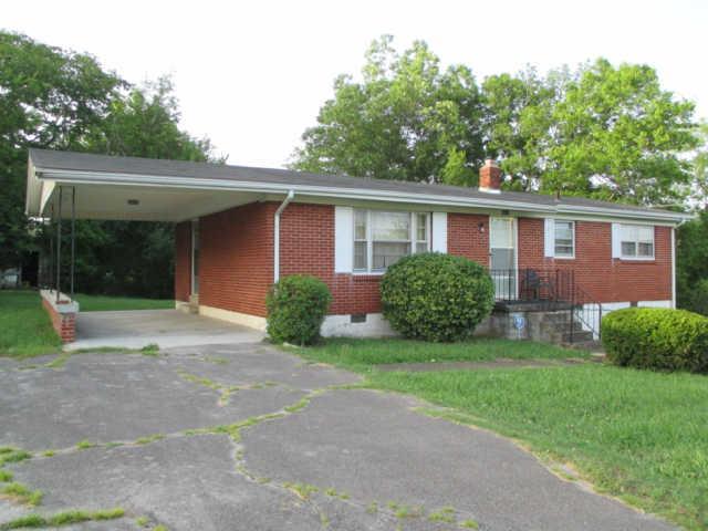 1034 N 3rd St, Pulaski, TN