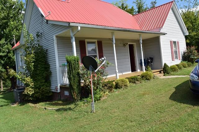 108 College St, Mc Ewen, TN