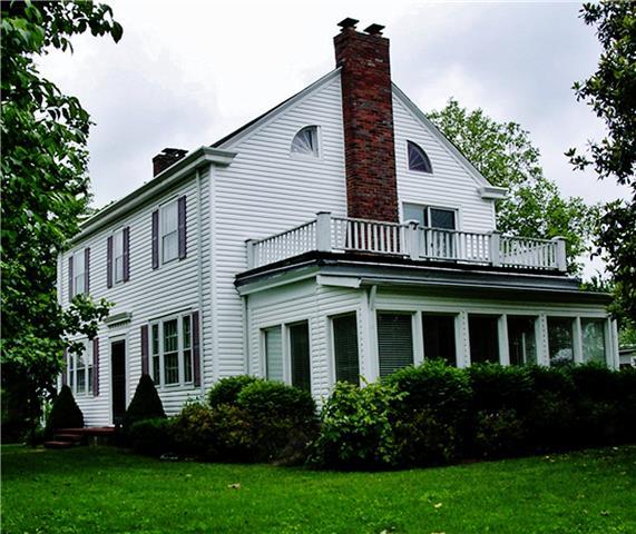 810 Riverside Dr, Old Hickory, TN