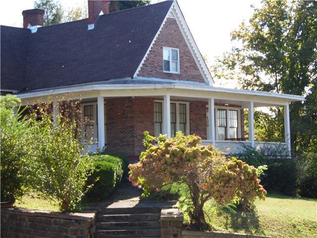 124 N Sam Davis Ave, Pulaski, TN