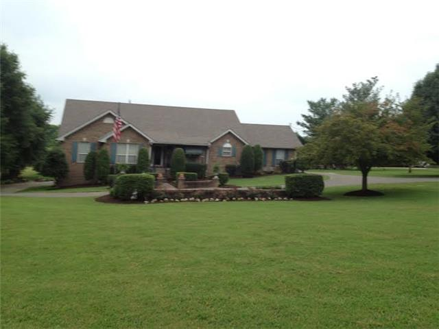 477 General Kershaw Dr, Old Hickory, TN
