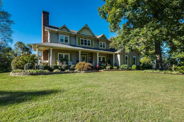 886 Ridgeview Ln, Columbia, TN