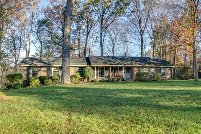 220 Hidden Lake Rd, Hendersonville, TN