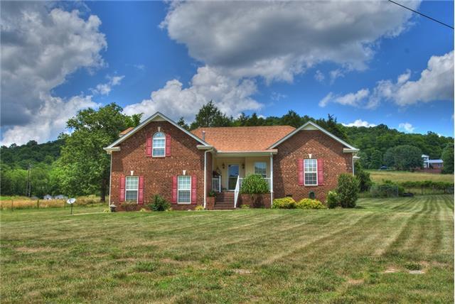 345 Roach Hollow Rd, Woodbury, TN