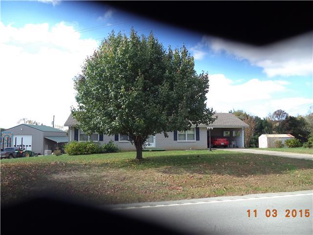 202 N Main St, Erin, TN