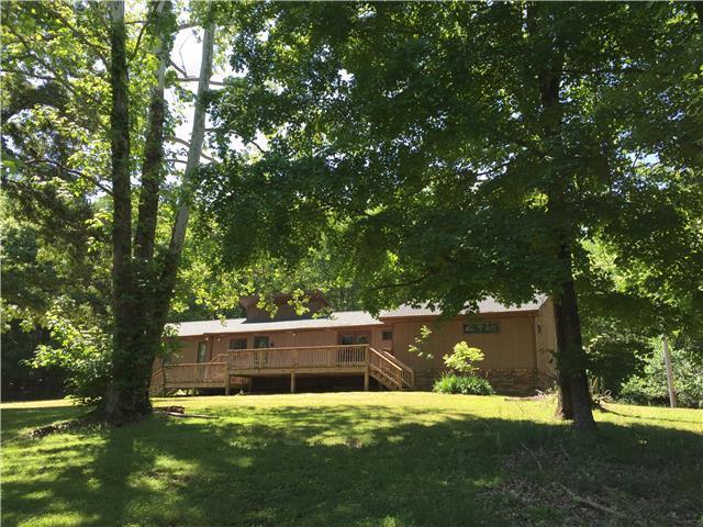 610 Salem Rd, Clarksville, TN