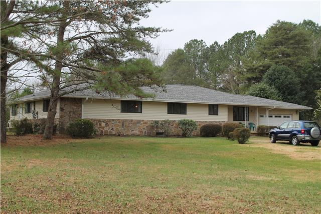104 Meadowbrook Ln, Tullahoma, TN
