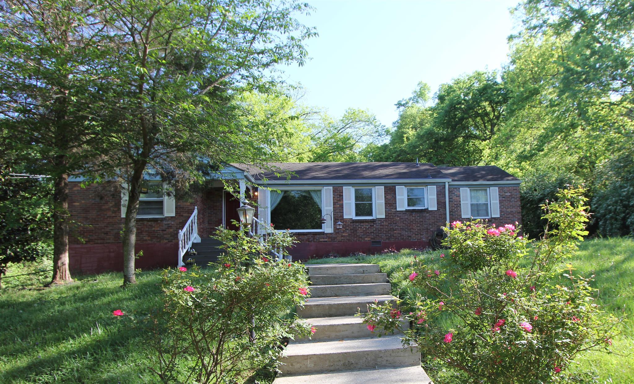 401 Moss Trl, Goodlettsville, TN