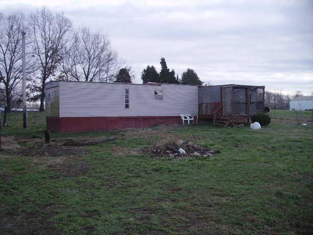 219 Pumpkintown Rd, Lafayette, TN