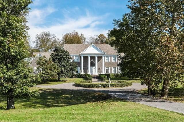 1205 Robinson Rd, Old Hickory, TN