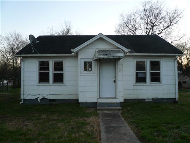 114 Elizabeth St, Shelbyville, TN