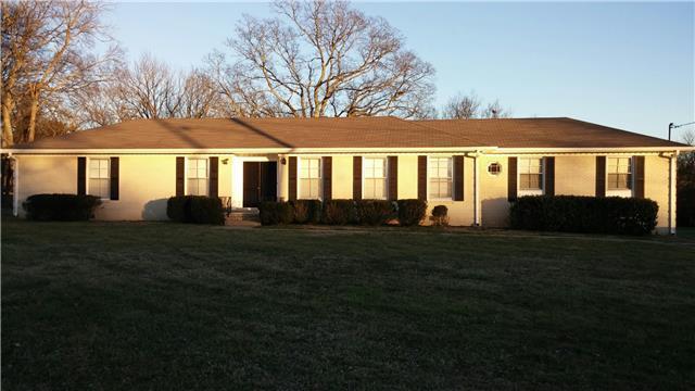 314 Robinhood Rd, Brentwood TN 37027