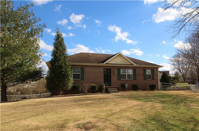 592 Oak Valley Dr, Clarksville, TN