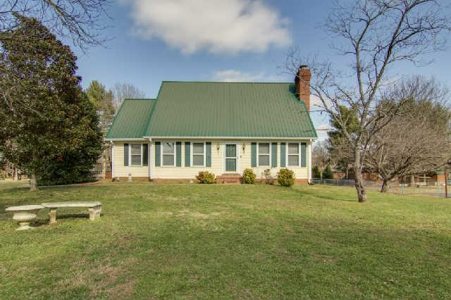 306 Parkview Dr, Columbia TN 38401
