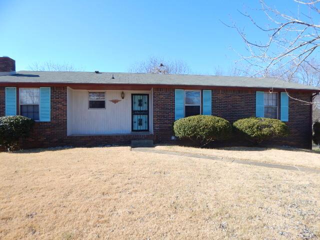415 Christopher Dr, Clarksville, TN