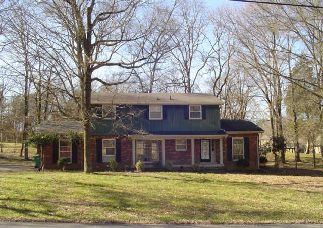 1138 Green Valley Dr, Lewisburg, TN