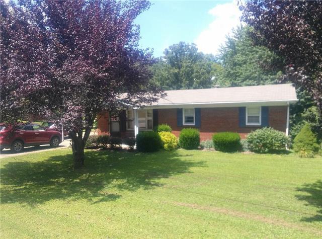 580 Old Stewart Rd, Tennessee Ridge, TN