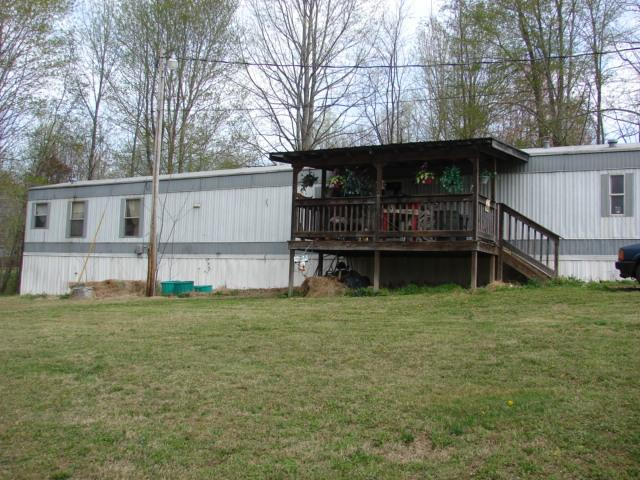610 Hilltop Rd, Red Boiling Springs, TN