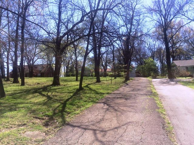 1309 Lone Oak Cir, Nashville, TN
