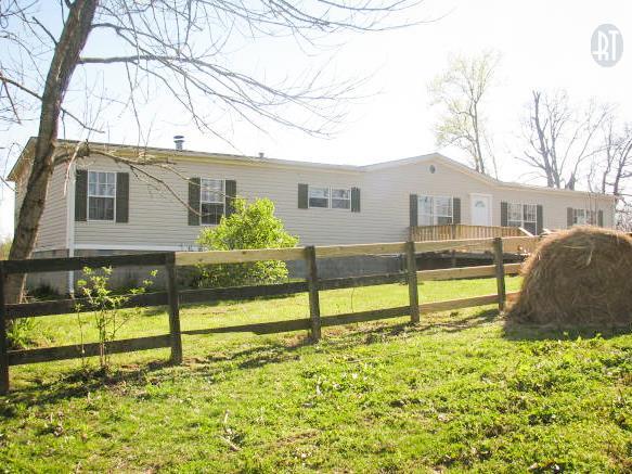 1010 Promise Land Rd, Charlotte, TN