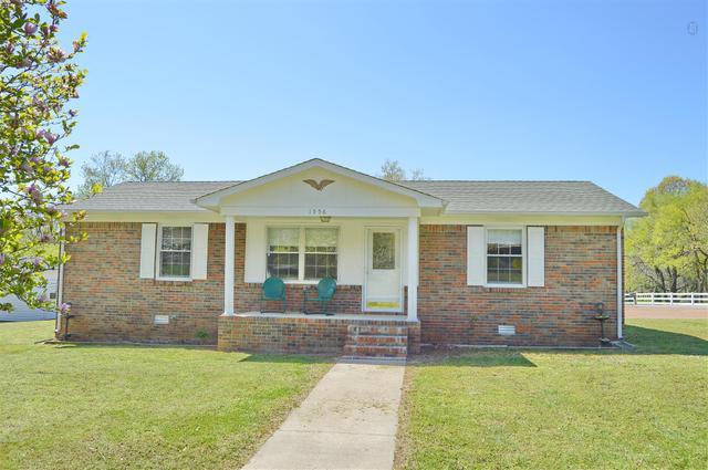 1556 Sandy St, Lewisburg, TN