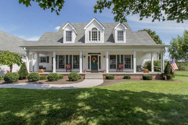 10639 Old Cox Pike, Bon Aqua, TN