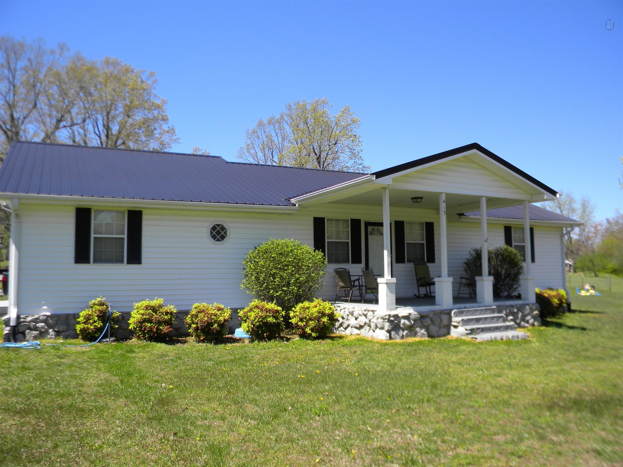 415 Main St, Mc Ewen, TN