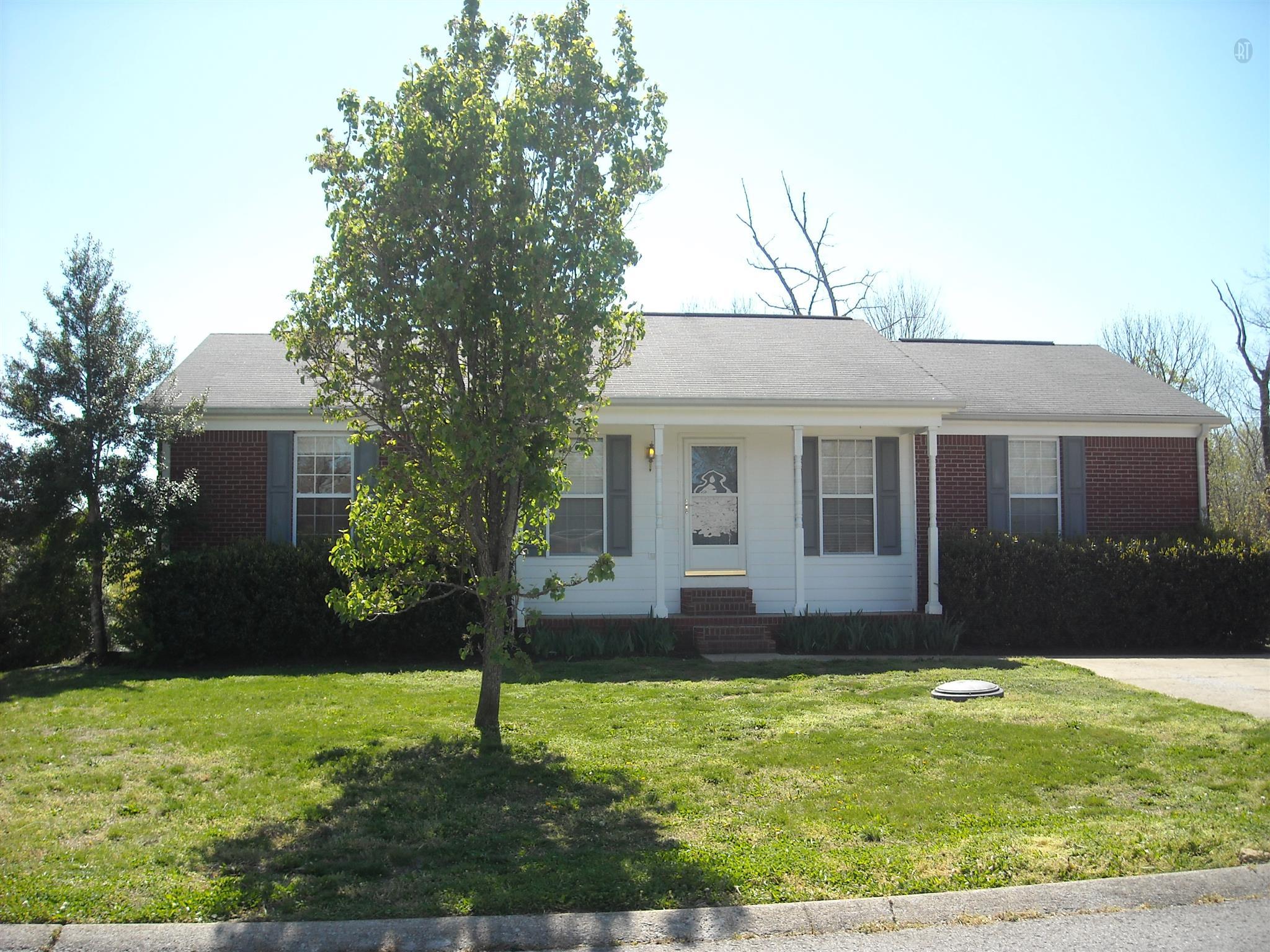 409 Eisenhower Dr, Ashland City, TN