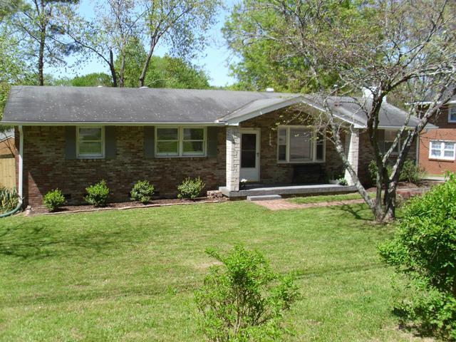 7985 Sawyer Brown Rd, Nashville, TN