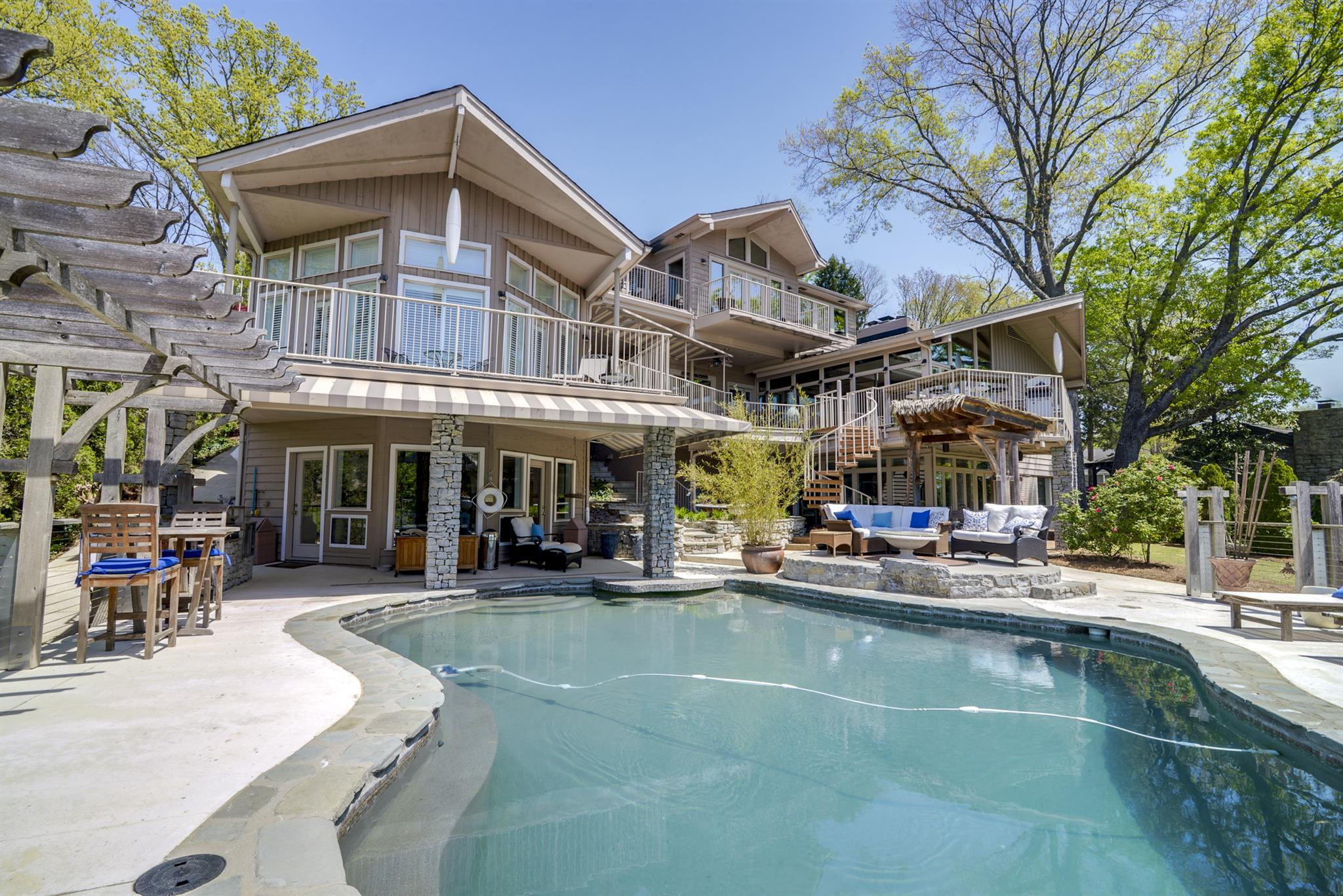 329 Harbor Dr, Old Hickory, TN