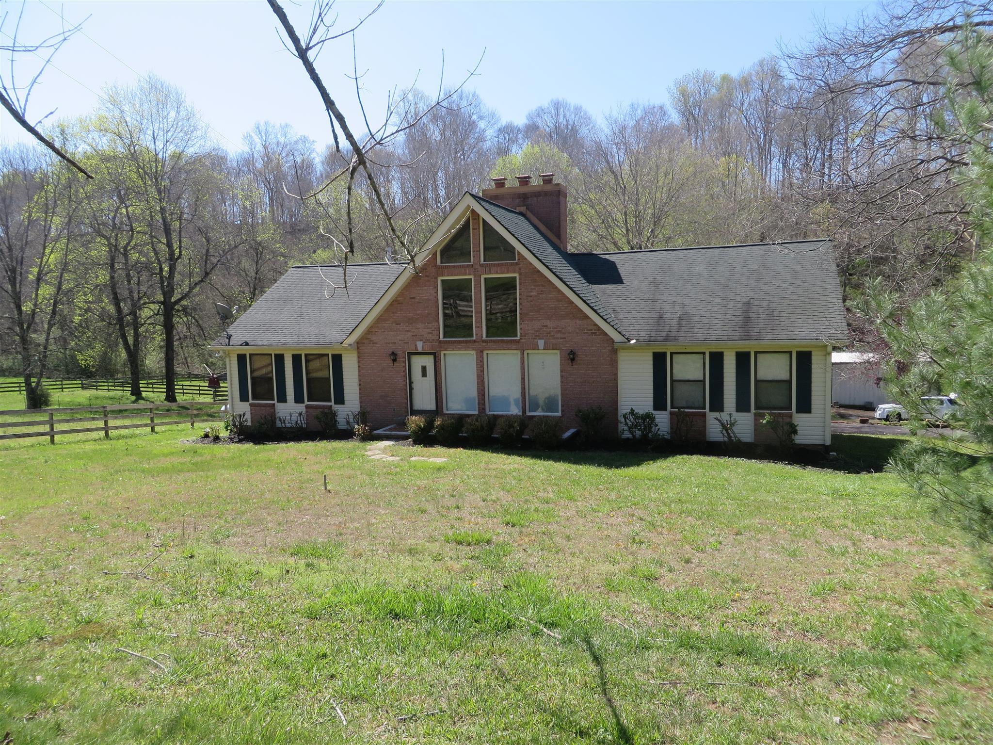 3851 Martins Chapel Rd, Springfield, TN