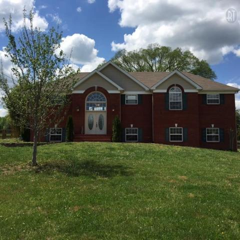 2452 Lakeshore Dr, Spring Hill, TN