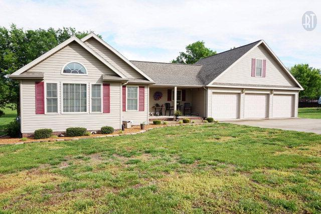 1812 Valley View Dr, Hopkinsville KY 42240